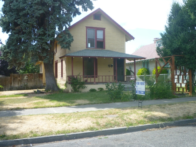 806 S 13TH AVE - YAKIMA Main Image
